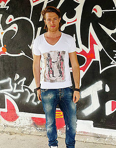T-shirt Linea Revolution: Bronzi di riace