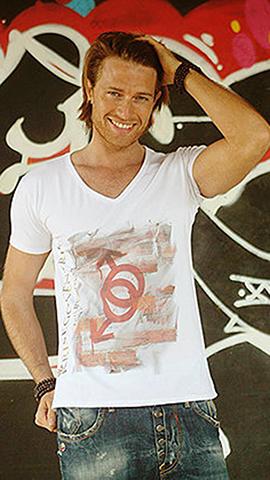 T-shirt Linea Revolution: Simbols Man